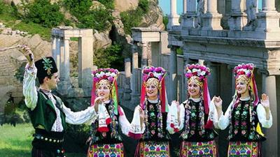 Традиционная болгарская одежда